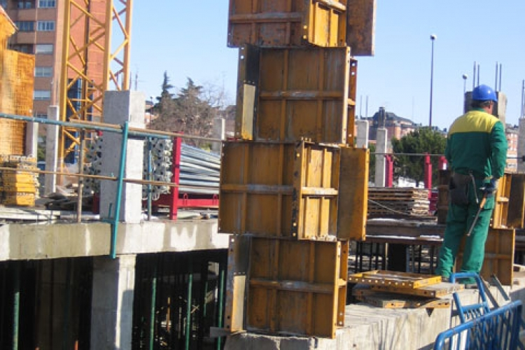 Metallic formwork construction